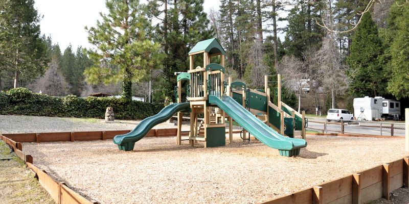 bass-lake-at-yosemite-kids-playground2